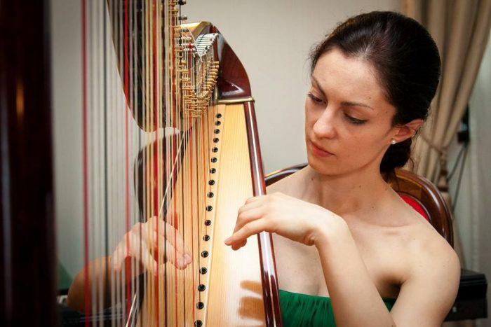 Iuliana Bolgari - harpă