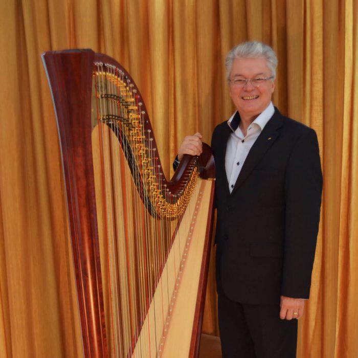 Florin Dinu Vicepreședinte fondator•membru fondator - Asociația Harpiștilor din România