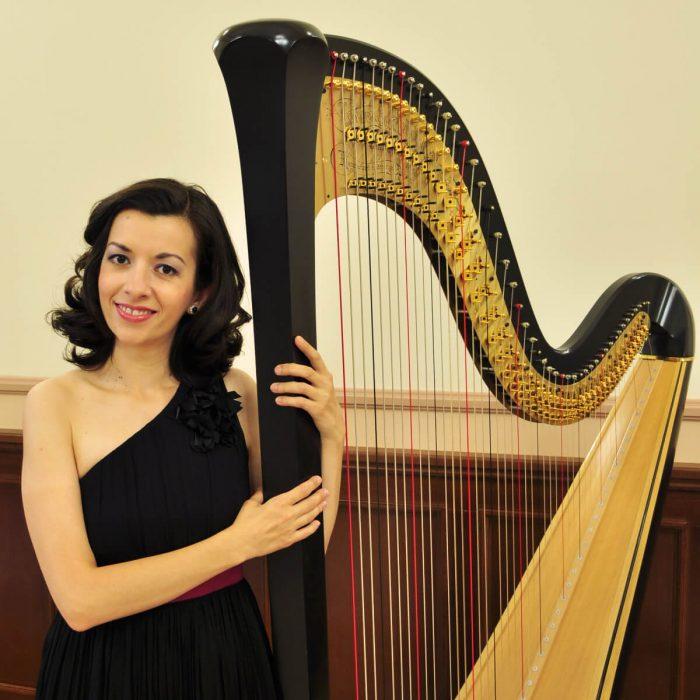 Roxana Moișanu Președinte fondator•membru fondator - Asociația Harpiștilor din România